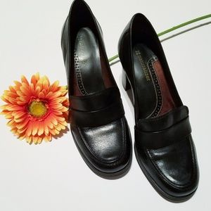 Naturlizer Black Leather Heels
